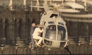 James-Bond-fighting-on-a-helicopter-607133